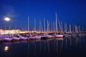 Then the moon was awesome in Cap D'Agde.