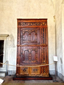 This is the oldest original piece of furniture in the Palace. Very nice condition.
