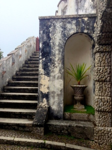 Little niche next to stairway up to viewing area in Pena Palace
