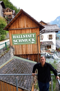 Wonder what a schmuck is in Hallstatt!? Actually it is a decoration... So Norm is a decoration here in Hallstatt!