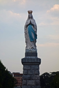 Statue of Mary as she appeared to Bernadette