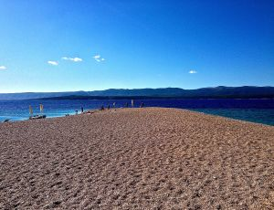 The very tip of Zlatni Rat beach from our angle.