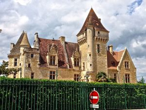 View of Chateau Milandes from the parking lot across the street.