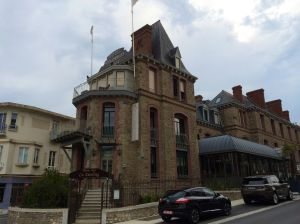 A photo of our hotel in Dinard on the North Coast of Brittany.  Our Megane is the first car you see in front of the hotel.