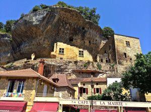 Lez Eyzies built into the limestone rocks.