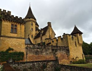 Chateau Puymartin and the legend of the lady in white. (Madame Blanc)