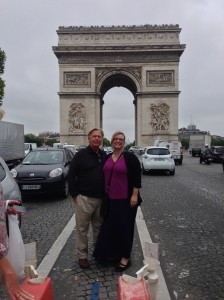 Awww, Norm and Angela standing in the middle of the Champs Elysees!!