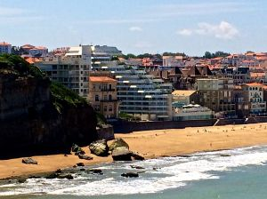Our hotel in Biarritz is the one that looks like a ship jutting out at the beach.