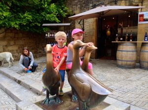 Of course, we had to take Tinael an Cheyanne to Sarlat...