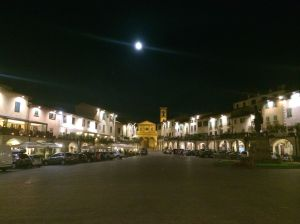 Another gelato run and another full moon over the Greve main square with St. Croce in the background and the Statue of Veranzzano faintly visible on the right.