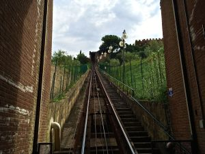 This is the funicular ride to Certaldo where we took our first Italian cooking lessson.