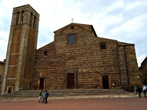 The Flag waving scene from UTS took place in front of this church.