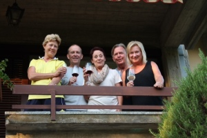 Thanks Louise, Dave, Bonnie and Kevin for visiting us!  And special Thank you to Kevin for taking some great pictures!!